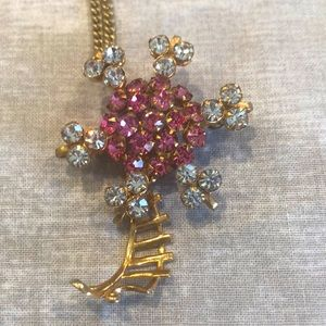 Vintage pin & pendant necklace in gold plate